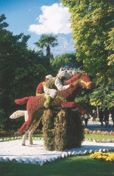 AiolaScultura-CavalliDiSiepeVivaFiori&Licheni