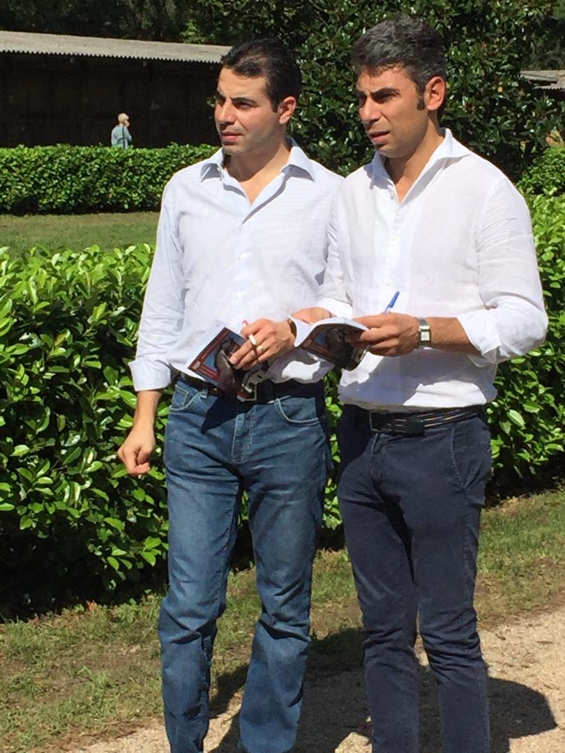 Marco figlio di Alduino (a s e con scuderia a Newmarket) e Alessandro Botti figlio di Giuseppe (con scuderia a Newmarket) alle aste di settmbre a Milano.jpg