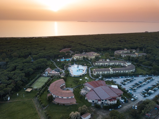 Horse Country Resort, Congress & Spa from the sky_sunset